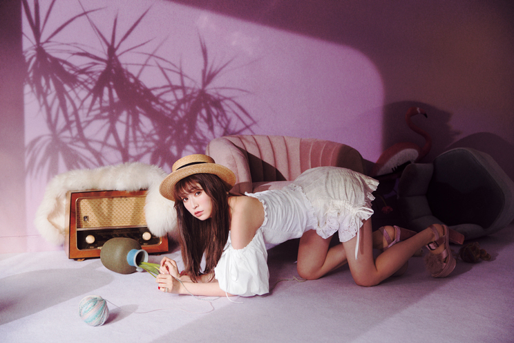 吉田朱里「CAT HOUNTED AKARI YOSHIDA」|『LARME 039』