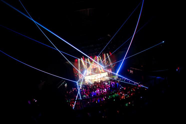 FES☆TIVEアジアツアー<THE CIRCUS/ザ・サーカス>ファイナル&6周年記念公演より