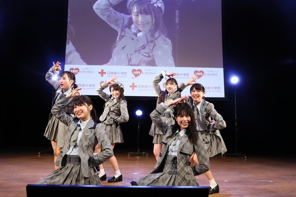 AKB48 Team 8、「これからも呼びかけを一生懸命頑張りたい」献血推進イベント出演