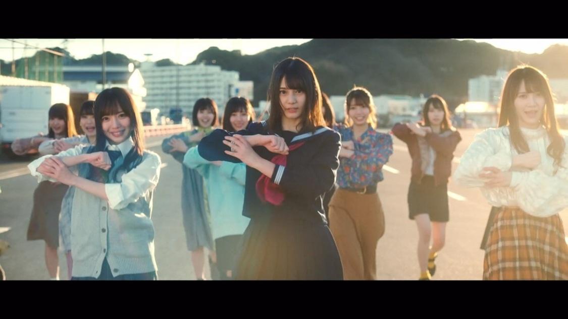 日向坂46、デビューSG収録「ときめき草」MV公開! 監督は欅坂46「サイレントマジョリティー」の池田一真