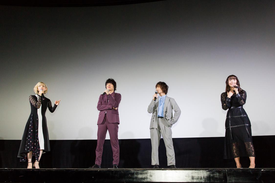 浅川梨奈、最上もがへの信頼を語る「嘘がなく全部どストレートに話す」 映画『クロガラス2』初日舞台挨拶