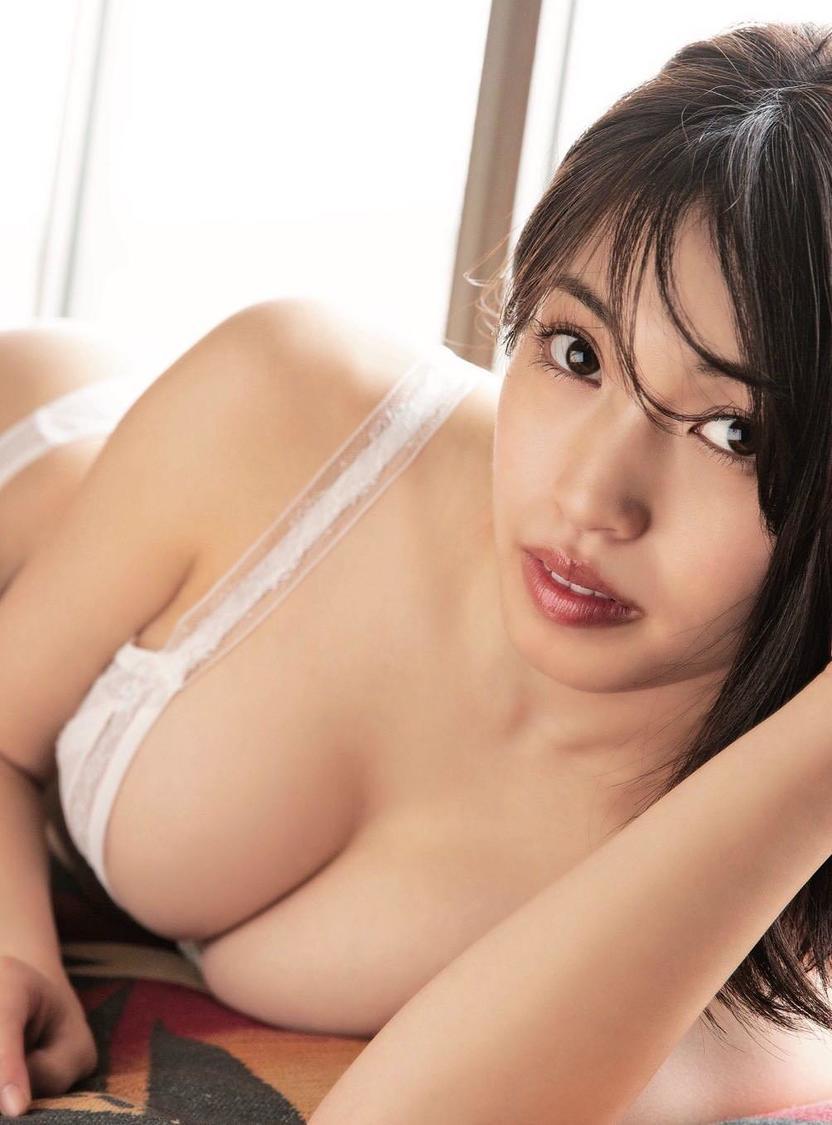 MIYU(CHERRSEE)、Fカップ豊満バスト&キュートな表情で魅せる1st写真集発売決定!