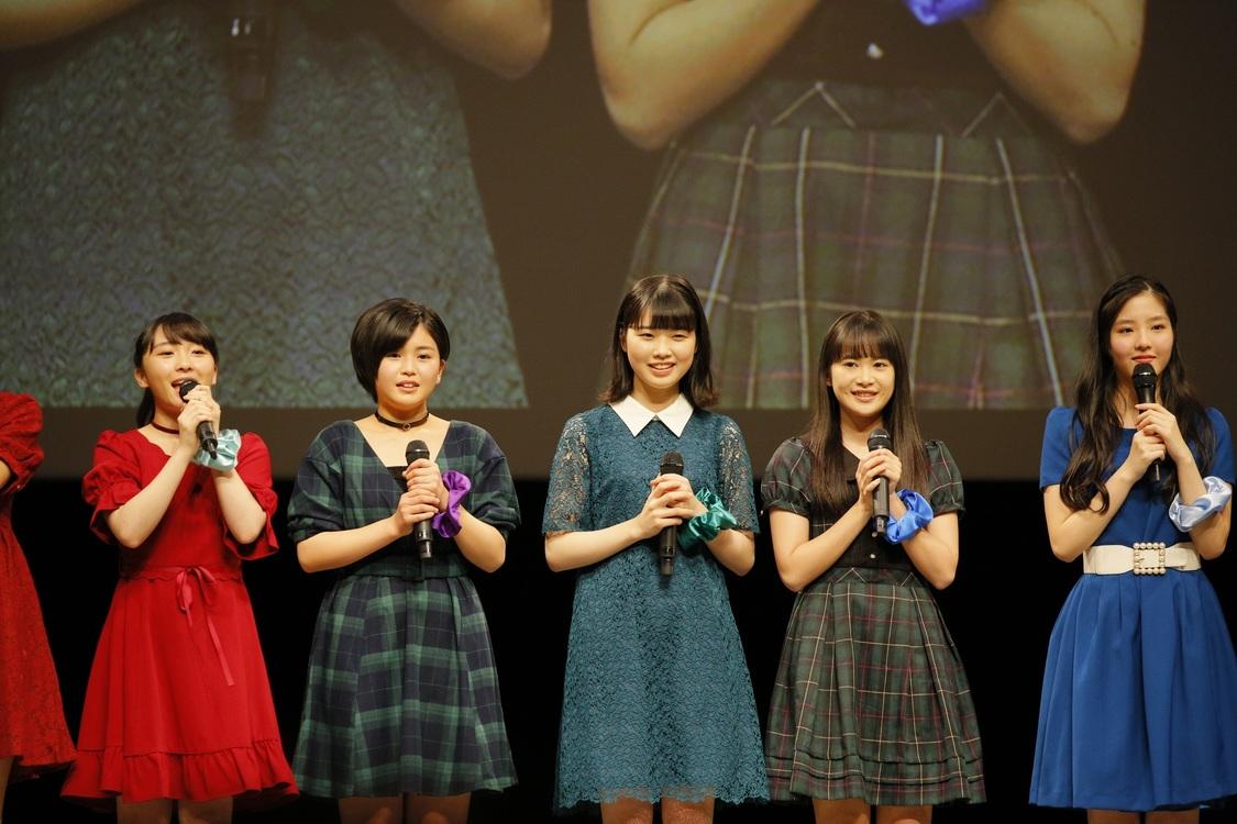 写真左から:高瀬くるみ、平井美葉、小林萌花、里吉うたの、一岡玲奈