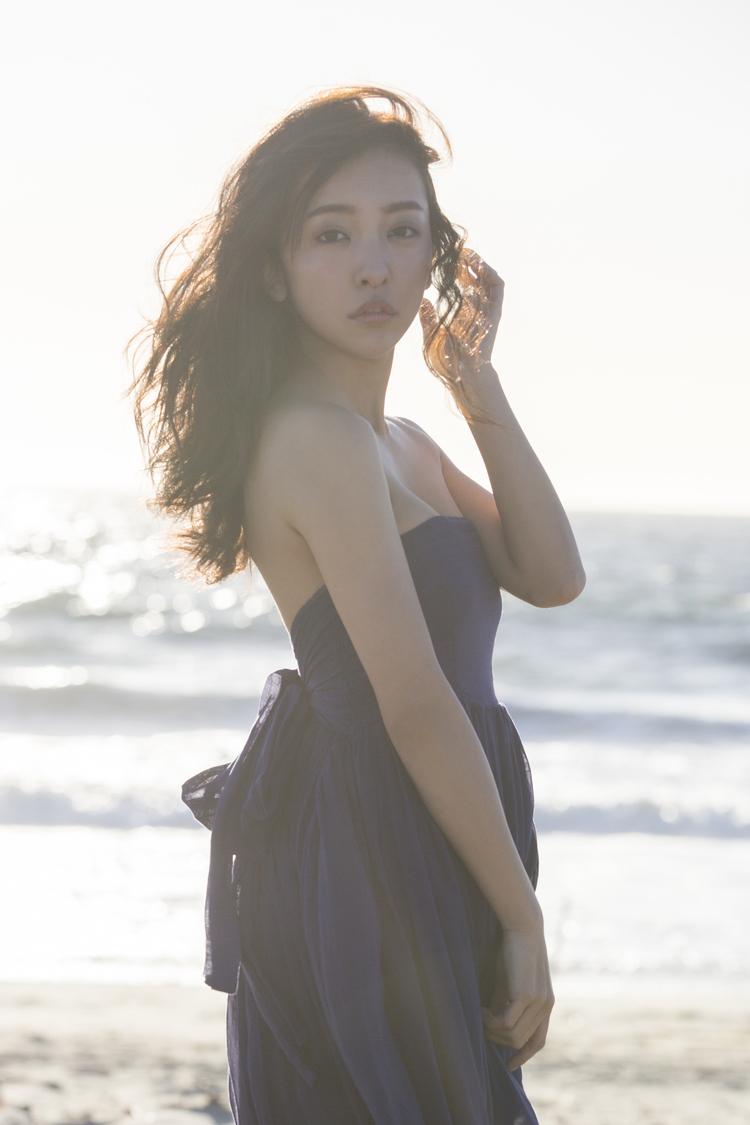 板野友美、ジュエリーブランド「amie jewel」とのタイアップ曲をリリース決定!